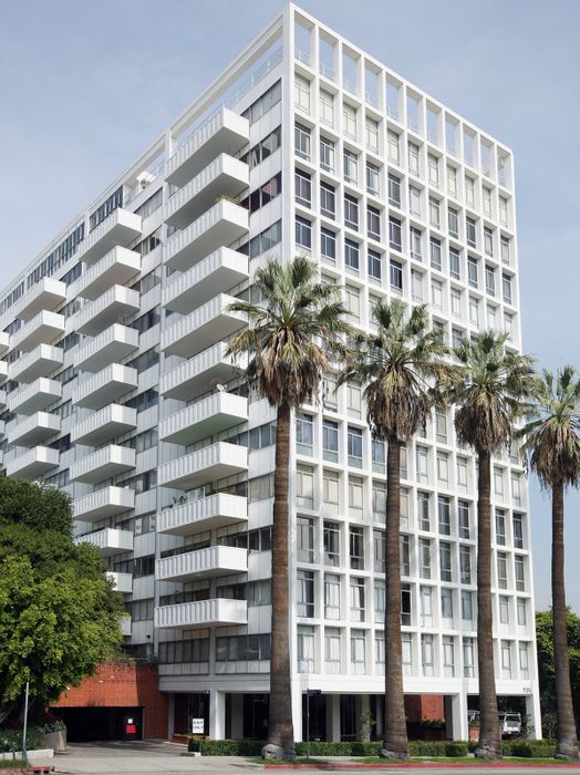 7135 Hollywood Blvd., Unit 307