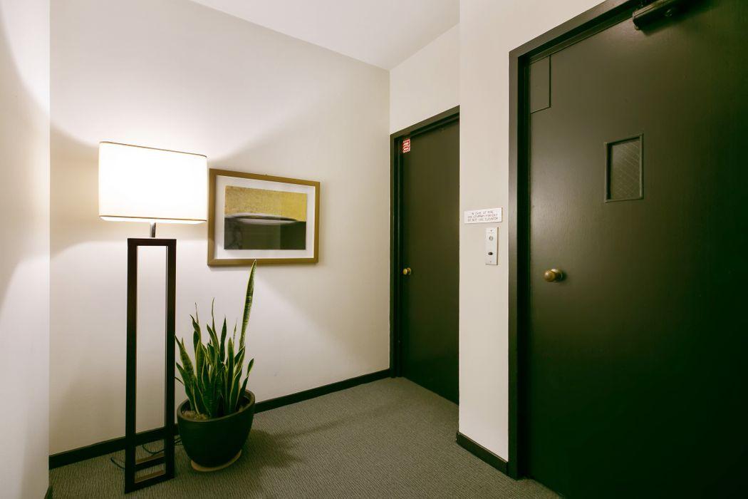 Pacific Heights Mid-century Condo San Francisco, CA 94123