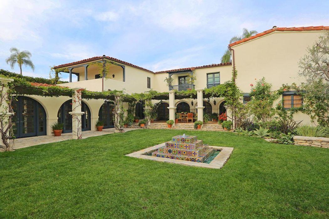 703 Walden Drive Beverly Hills Ca 90210 Sotheby S