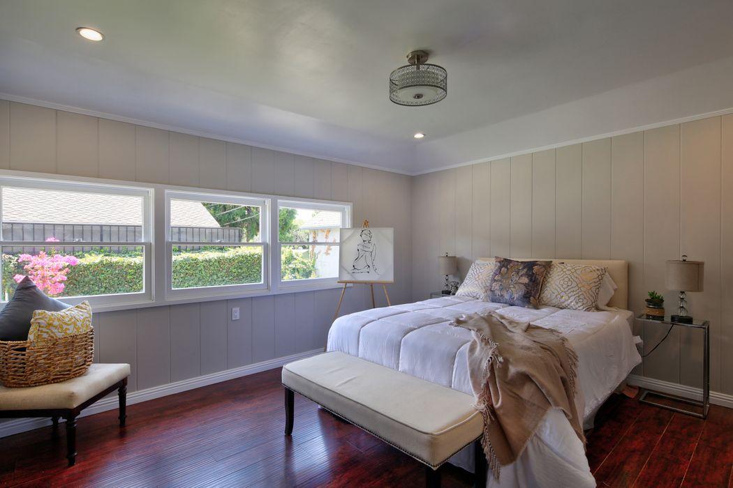 624 West Hillcrest Boulevard Monrovia, CA 91016