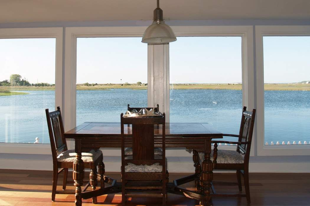 Waterfront Cottage In Southampton Southampton, NY 11968