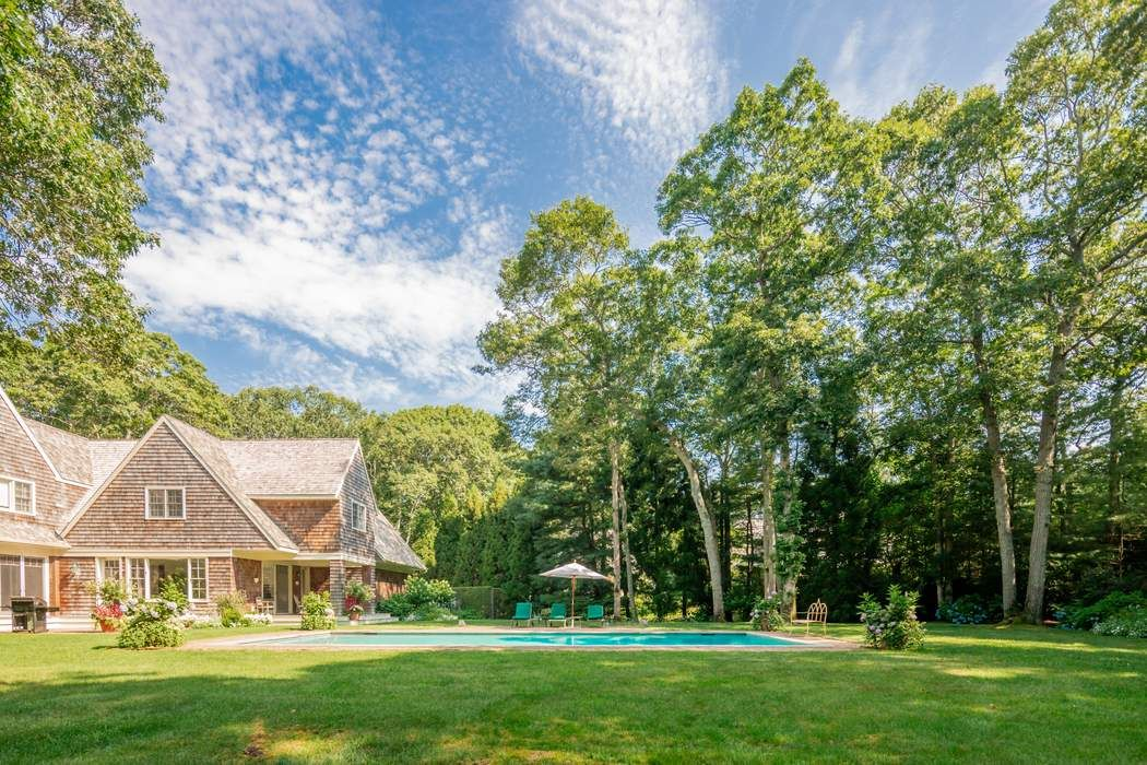 Renovated South of the Highway East Hampton, NY 11937
