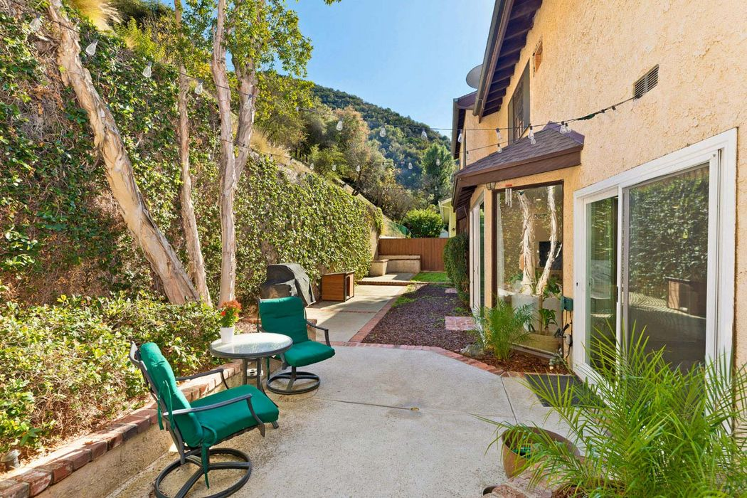2964 Mandeville Canyon Road Los Angeles, CA 90049