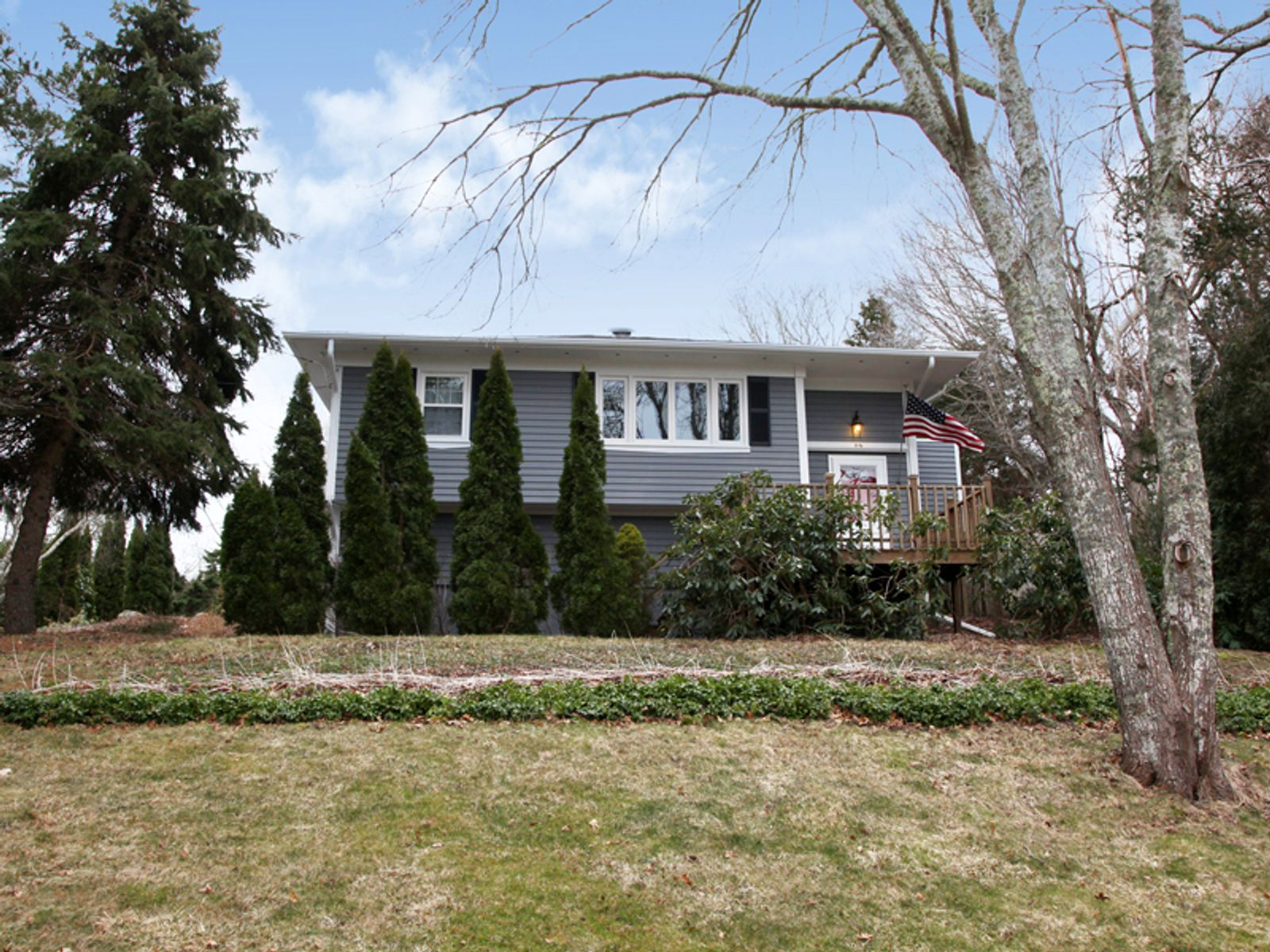 Great Home in Lakeside Community, Mashpee MA Single Family Home - Cape Cod Real Estate