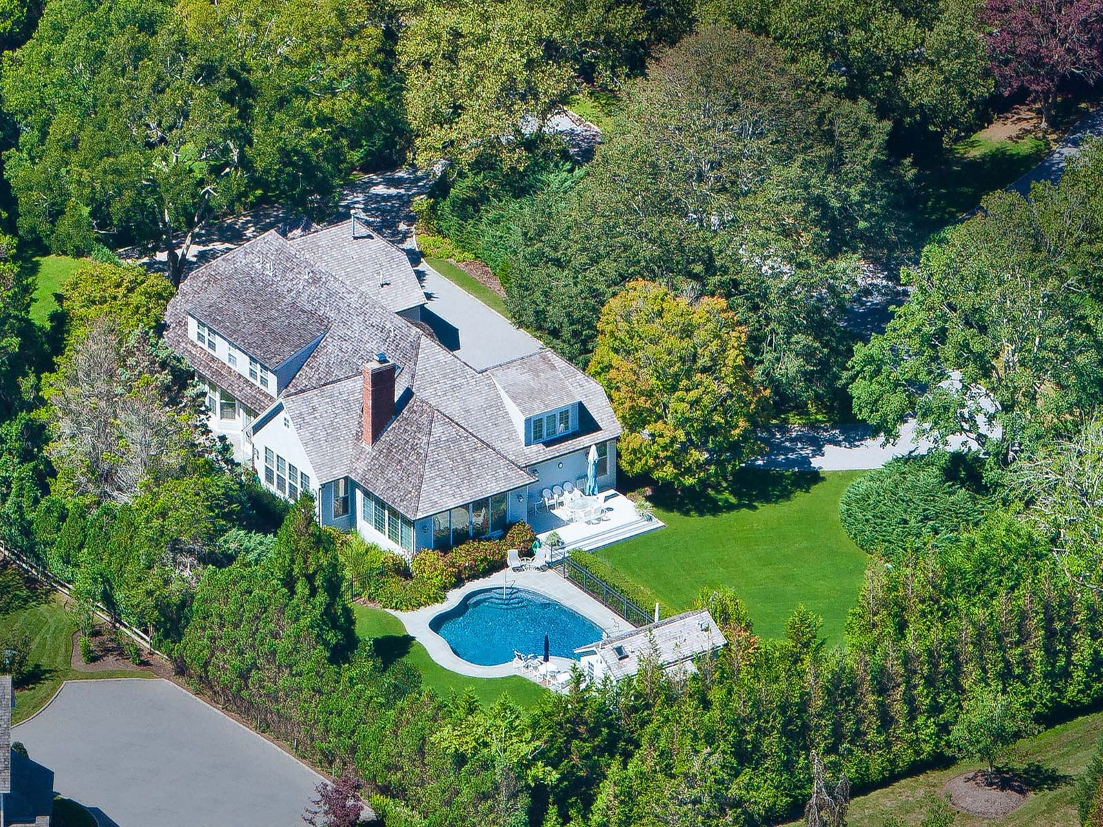 Charming Country Home, East Hampton NY Single Family Home - Hamptons Real Estate