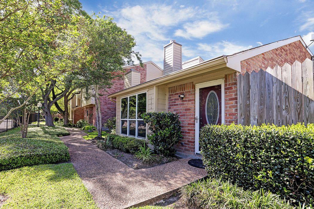 11812 Barryknoll Lane Houston, TX 77024