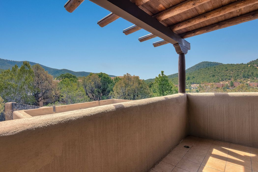 1204 Camino De Cruz Blanca Santa Fe, NM 87505