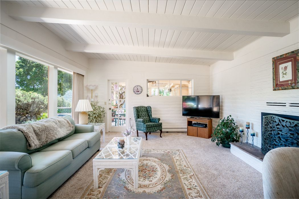1 Lilac Lane Carmel Valley, CA 93924
