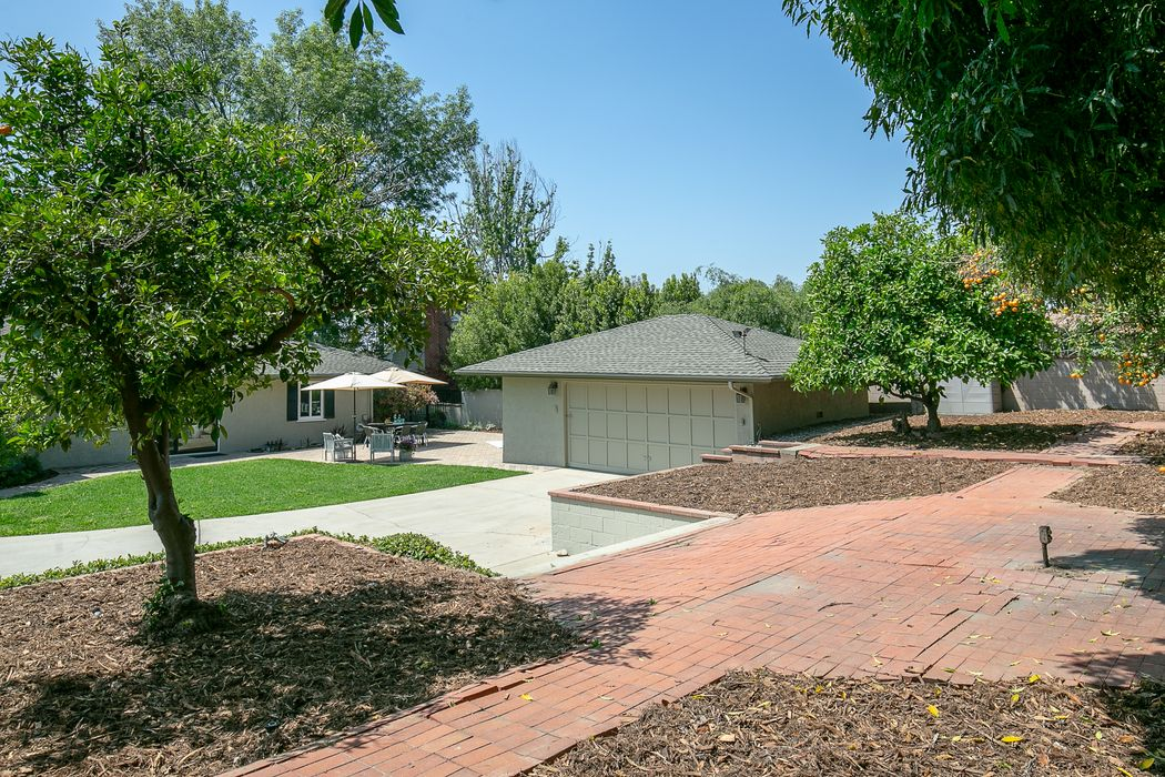 3695 Greenhill Road Pasadena, CA 91107