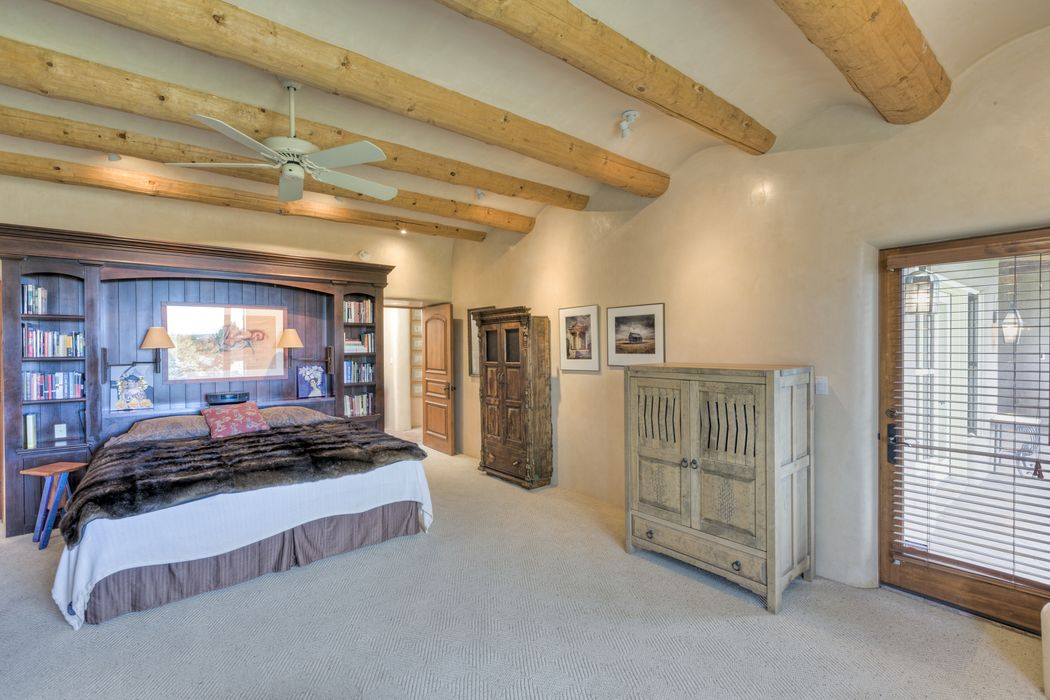 1218-A Bishops Lodge Road Santa Fe, NM 87501