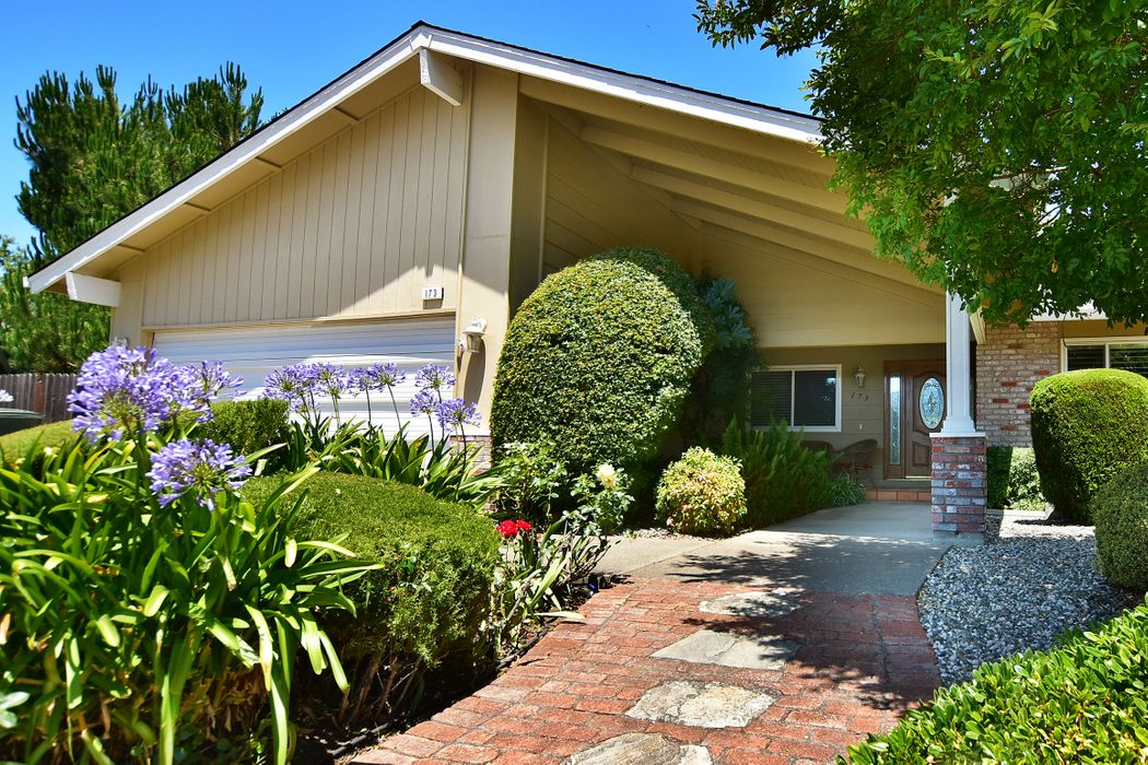 173 Mountain Vista Pl Santa Rosa, CA 95409