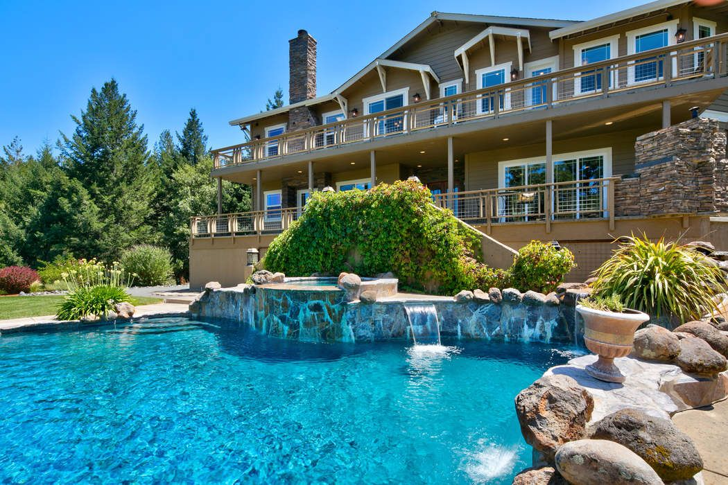 A Beautiful Ukiah Custom Home
