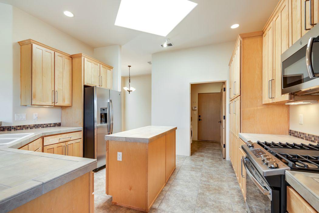 1640 Villas Loop Santa Fe, NM 87506