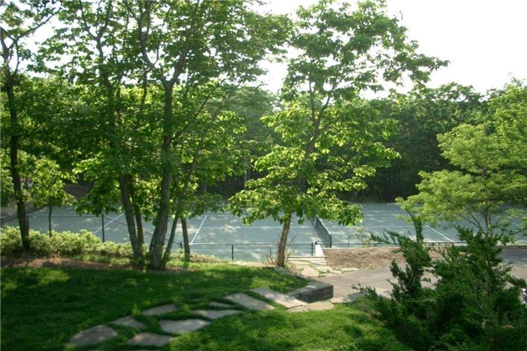 Bridgehampton Five Acre Estate Bridgehampton, NY 11932