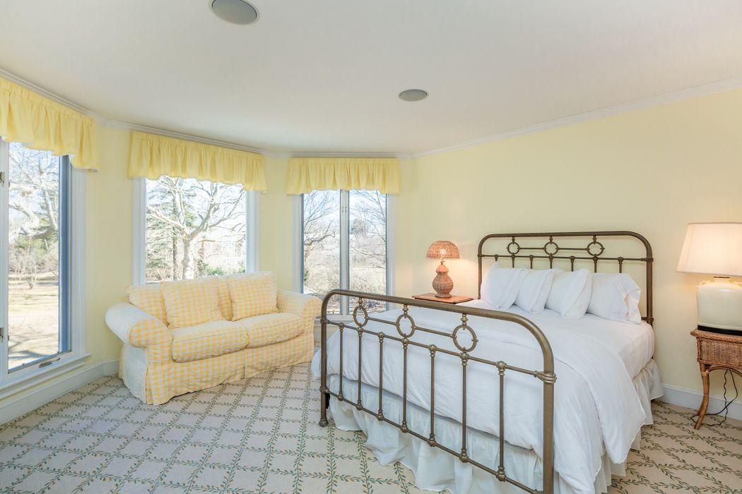 16 Pudding Hill Lane East Hampton, NY 11937
