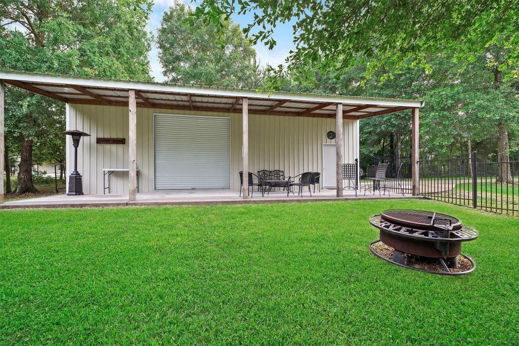 8421 King Arthurs Court Montgomery, TX 77316