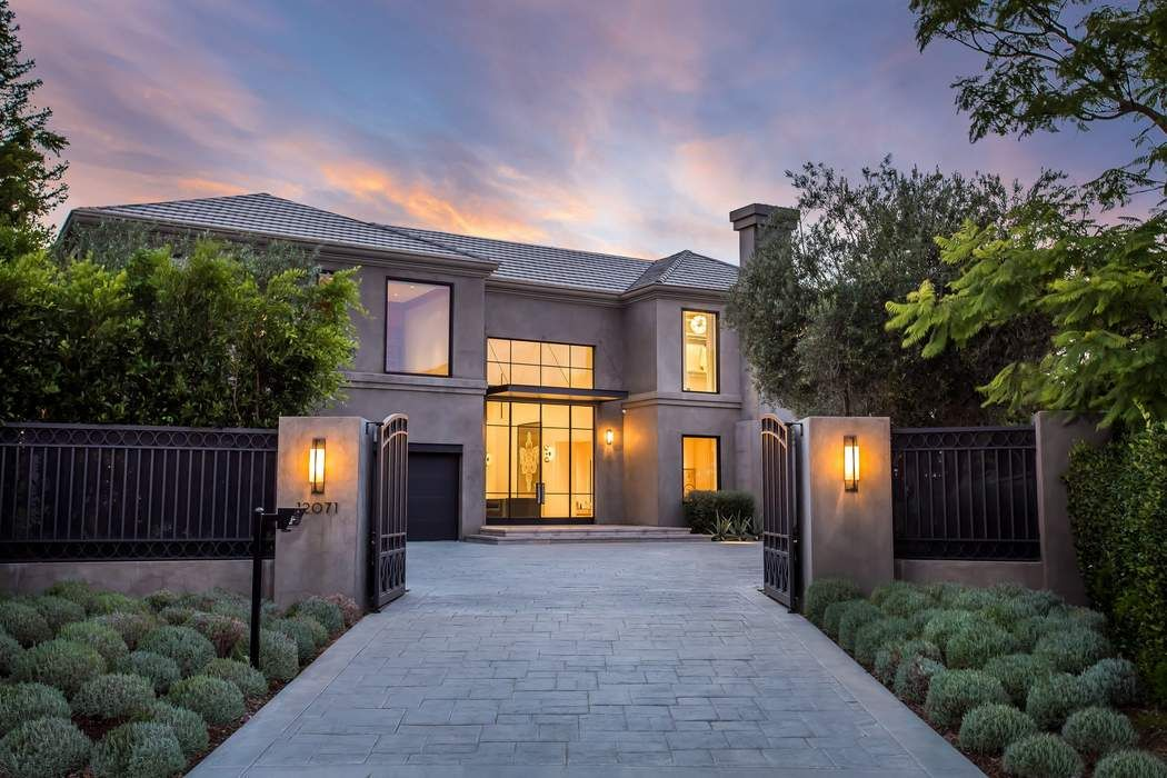 12071 crest court beverly hills ca 90210 sotheby 39 s for Luxury homes in beverly hills ca