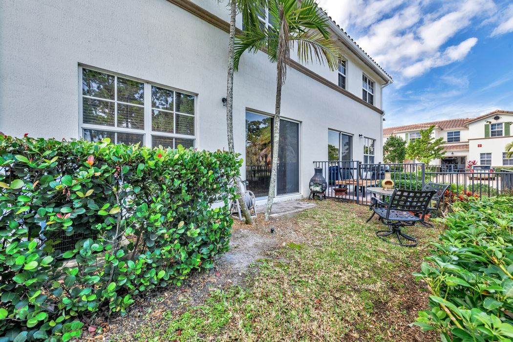 4683 Tara Cove Way West Palm Beach, FL 33417