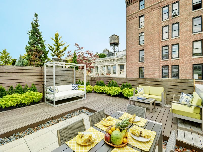109 Greene St – Newly Staged Penthouse