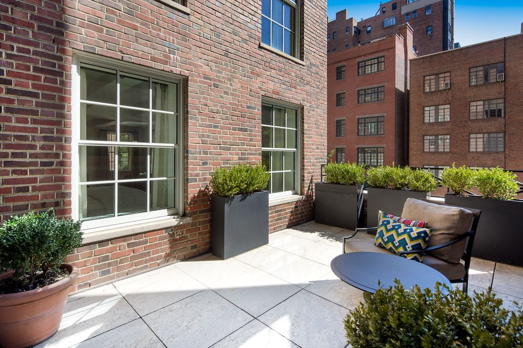 18 Gramercy Park South, Floor 3 New York, NY 10003
