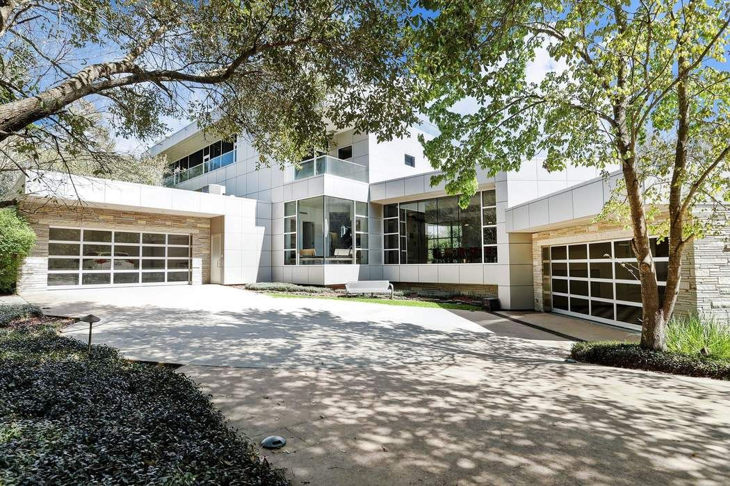 19 W Isle Place The Woodlands, TX 77381
