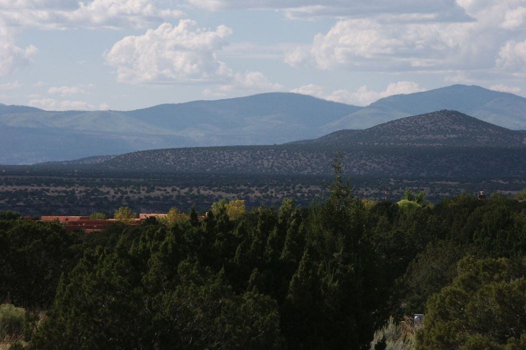 142 Thundercloud Road Santa Fe, NM 87506