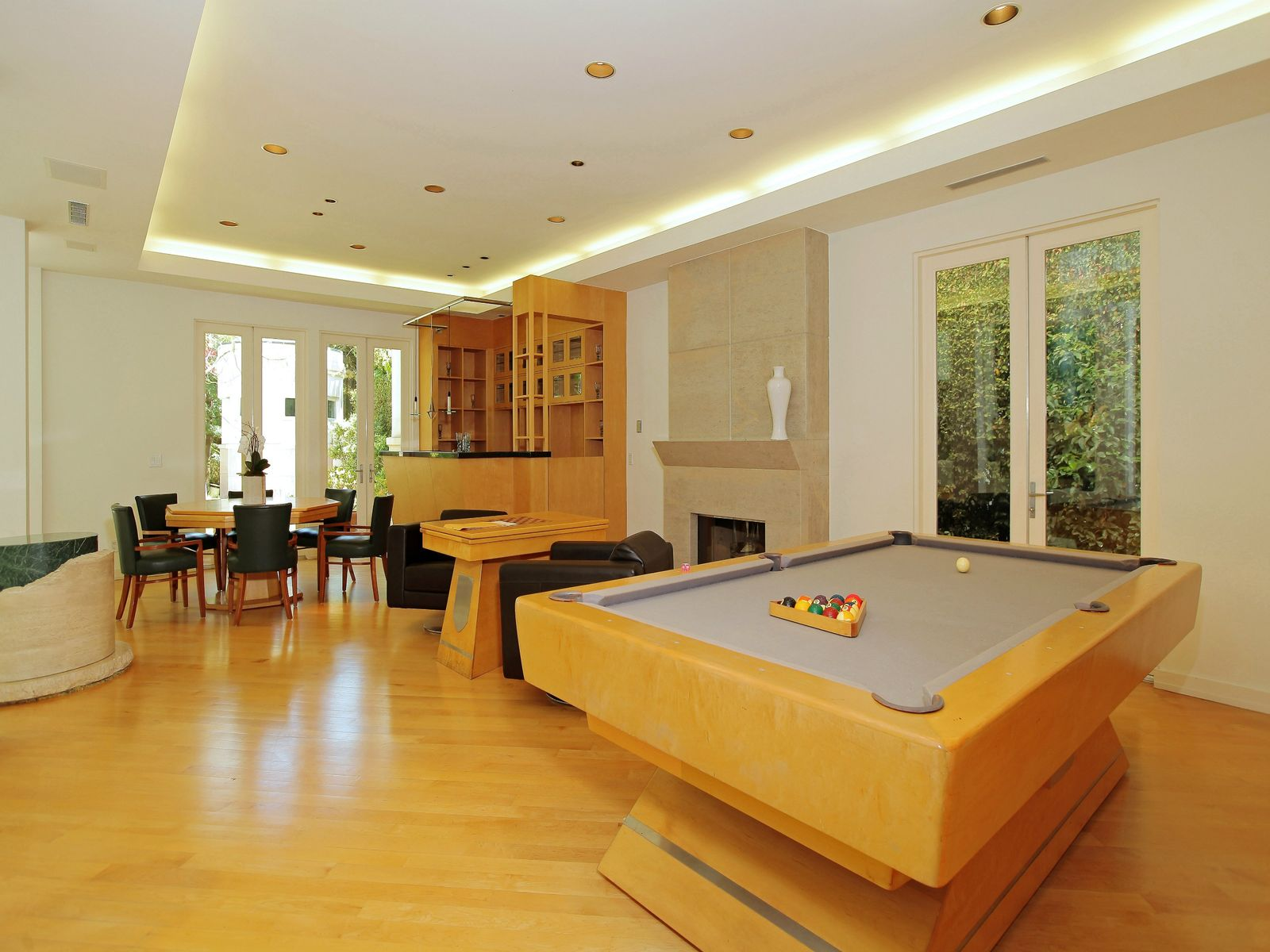 Gorgeous Contemporary Home