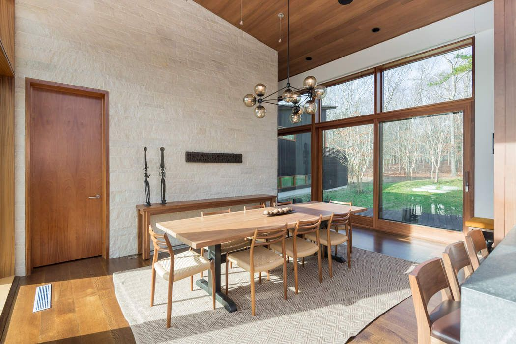 Stunning Glass Modern in Water Mill Water Mill, NY 11976