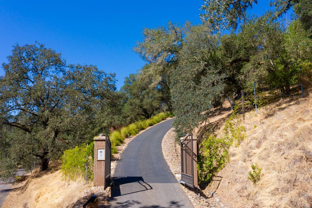 303 Deer Park Rd Saint Helena, CA 94574