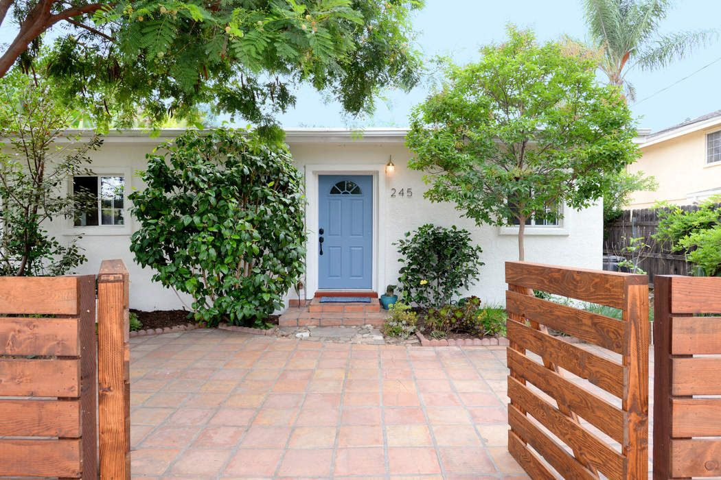 Charming 4Bed, 4 Bath Home in Ojai