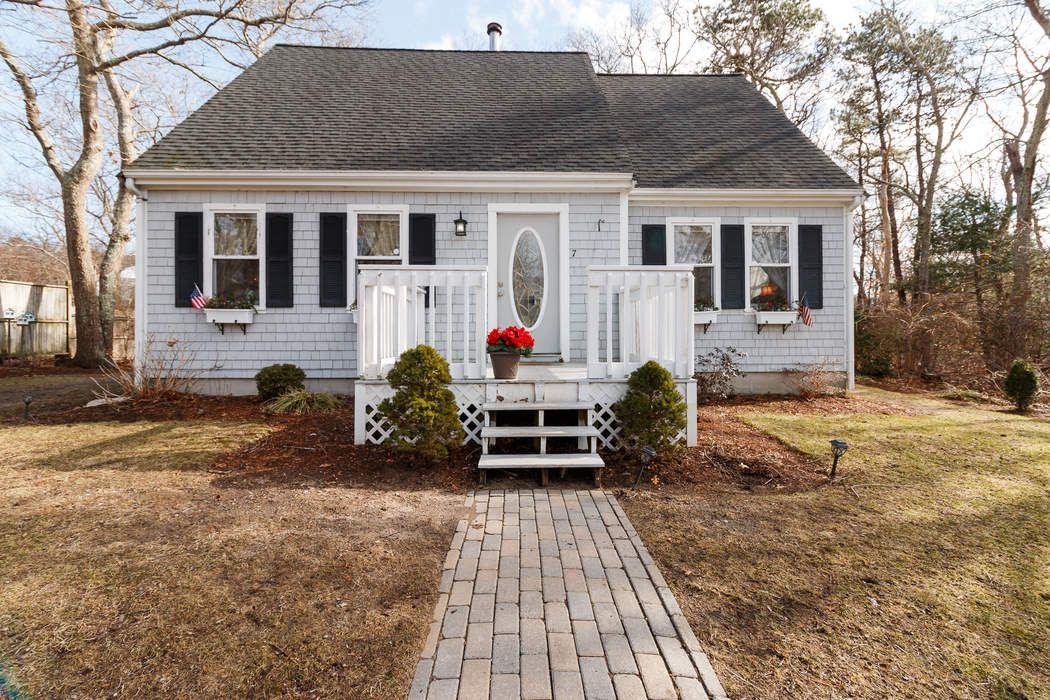7 Tabor Road, Forestdale, MA