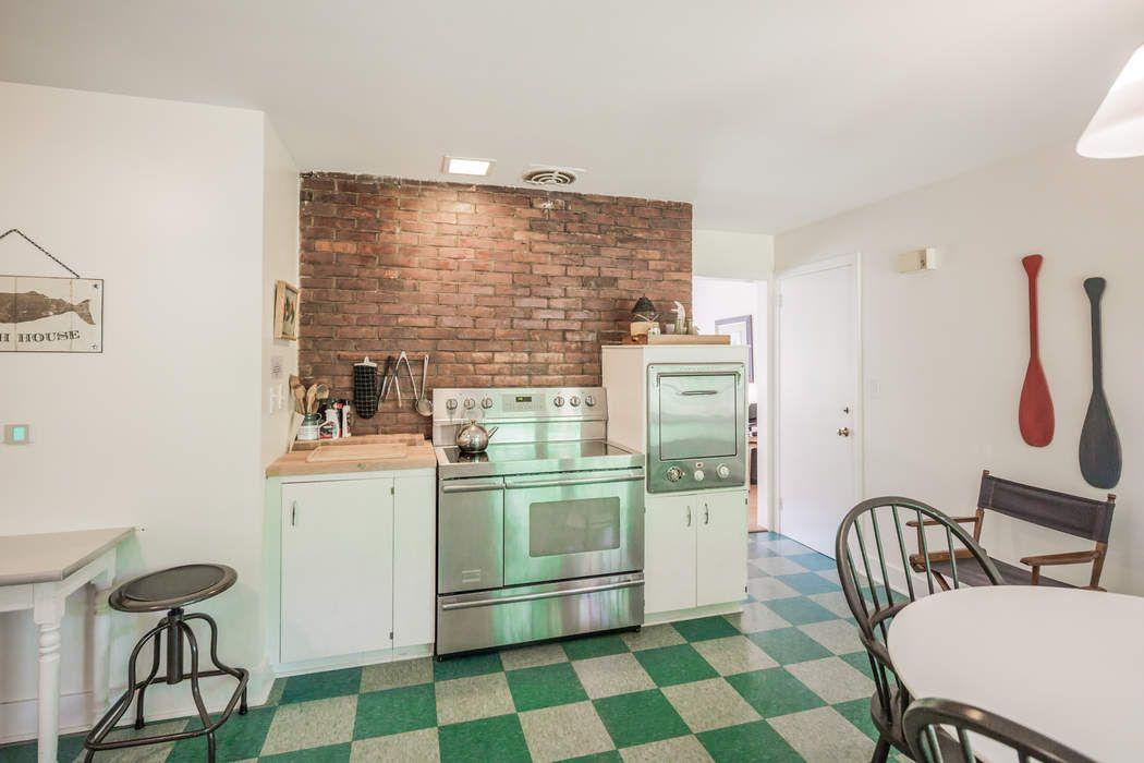 47 Squaw Road East Hampton, NY 11937