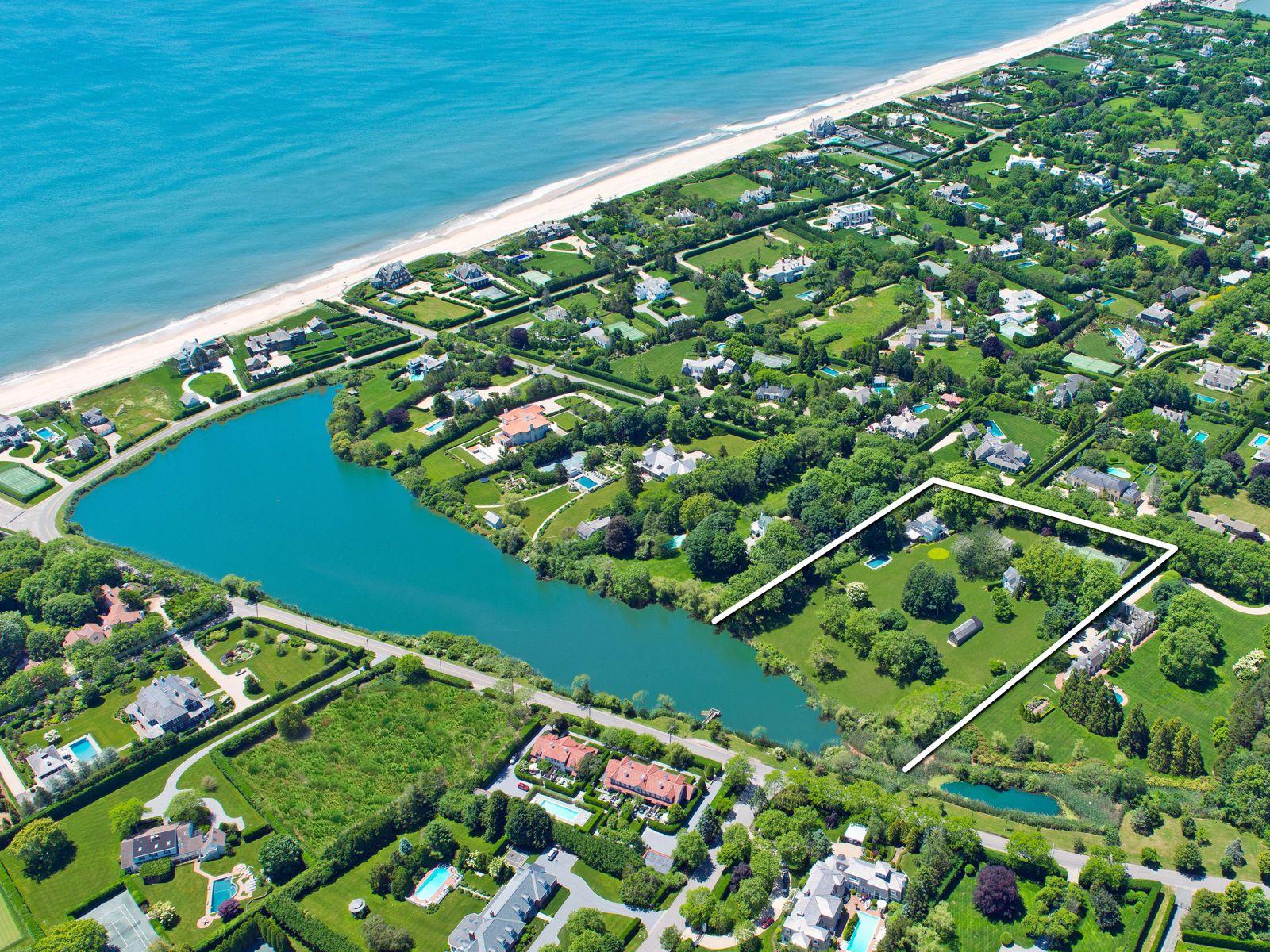 Wonderful Wyandanch 5 Acres Pondfront
