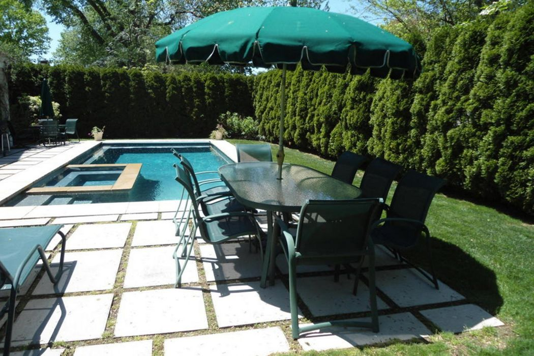25 Halsey Drive Old Greenwich, CT 06870
