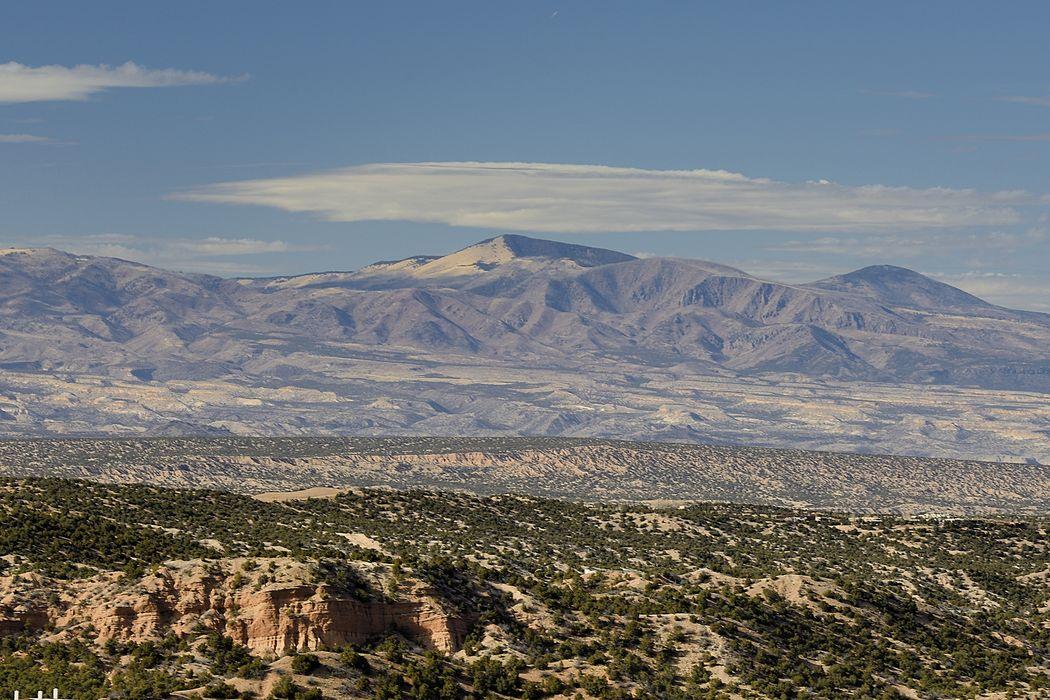 11 Juan De Gabaldon Trail Santa Fe, NM 87506