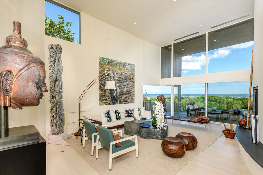 67 Surfside Dr Bridgehampton, NY 11932