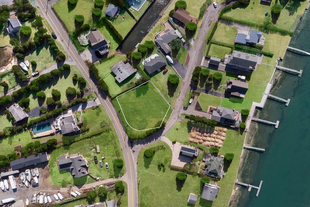 GLASS DAVINCI HAUS USA Southampton, NY 11968