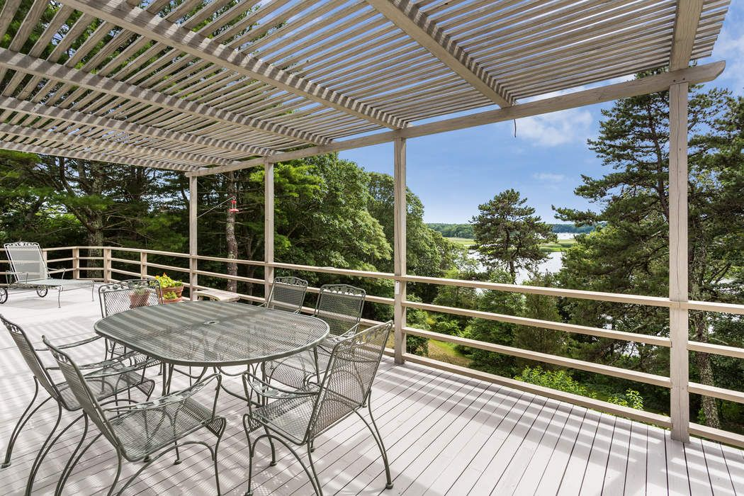 1855 South County Road Osterville, MA 02655