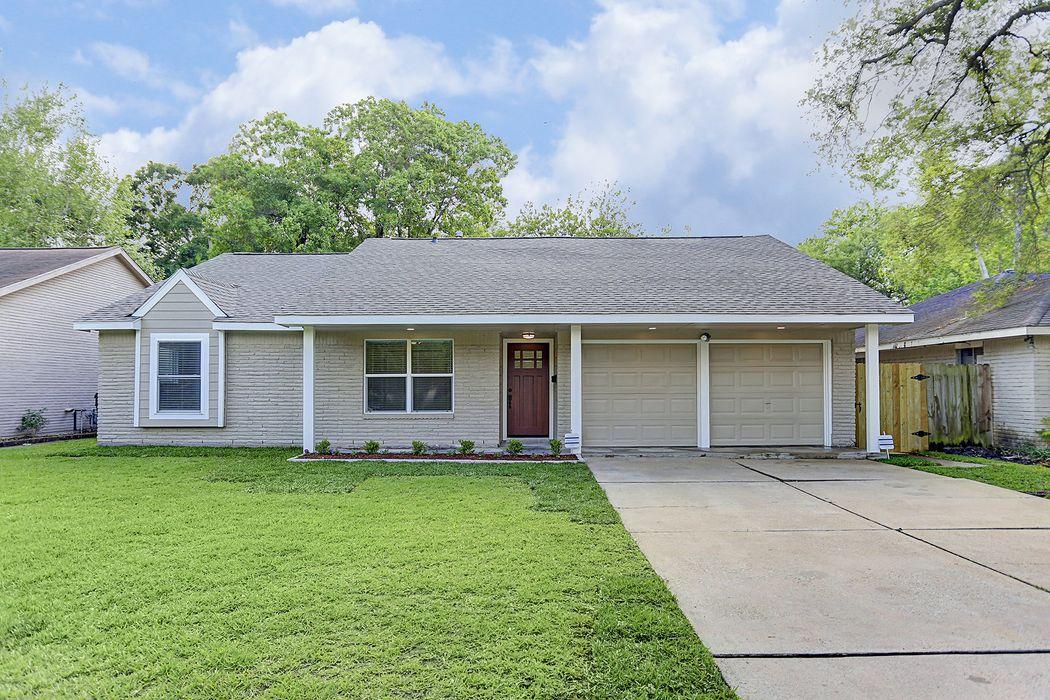 10614 Hillcroft Street Houston, TX 77096