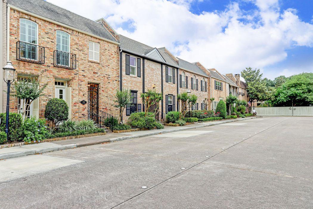 578 Trianon Street Houston, TX 77024