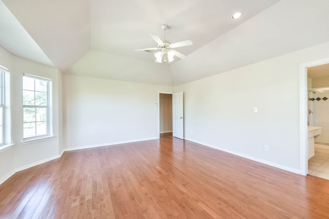 7619 South Linpar Court Houston, TX 77040