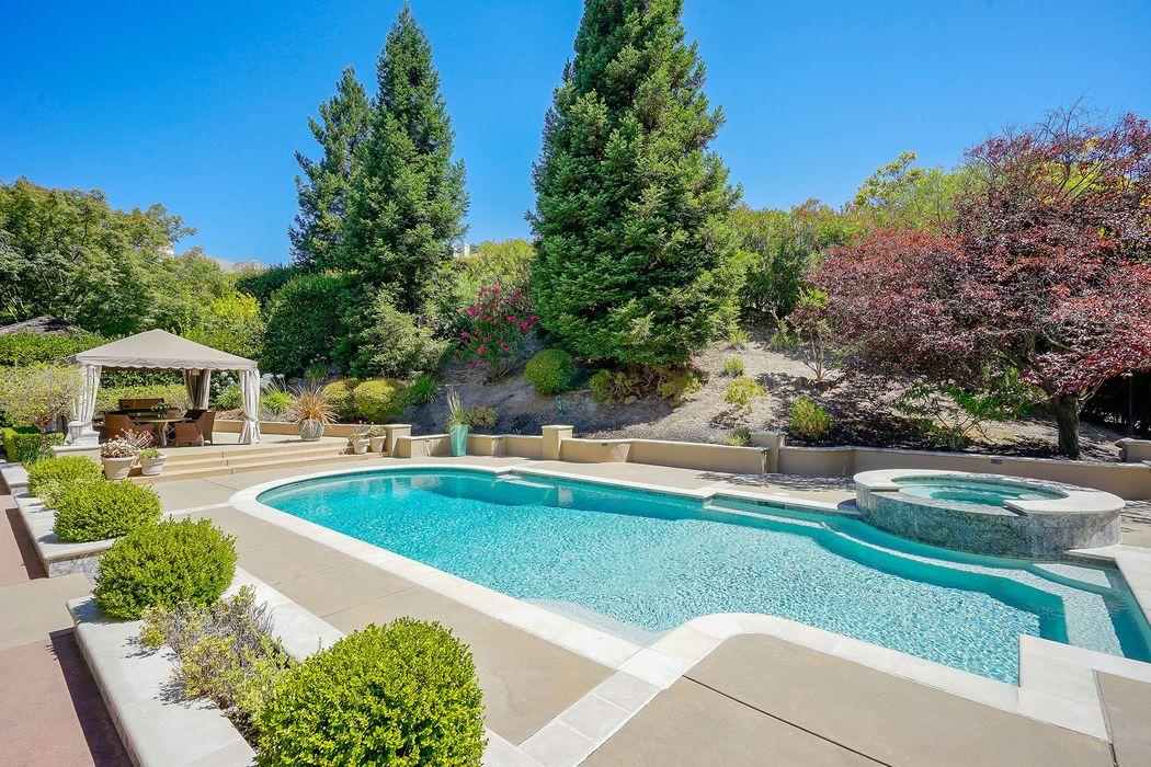 23 Royal Oaks Ct Alamo, CA 94507