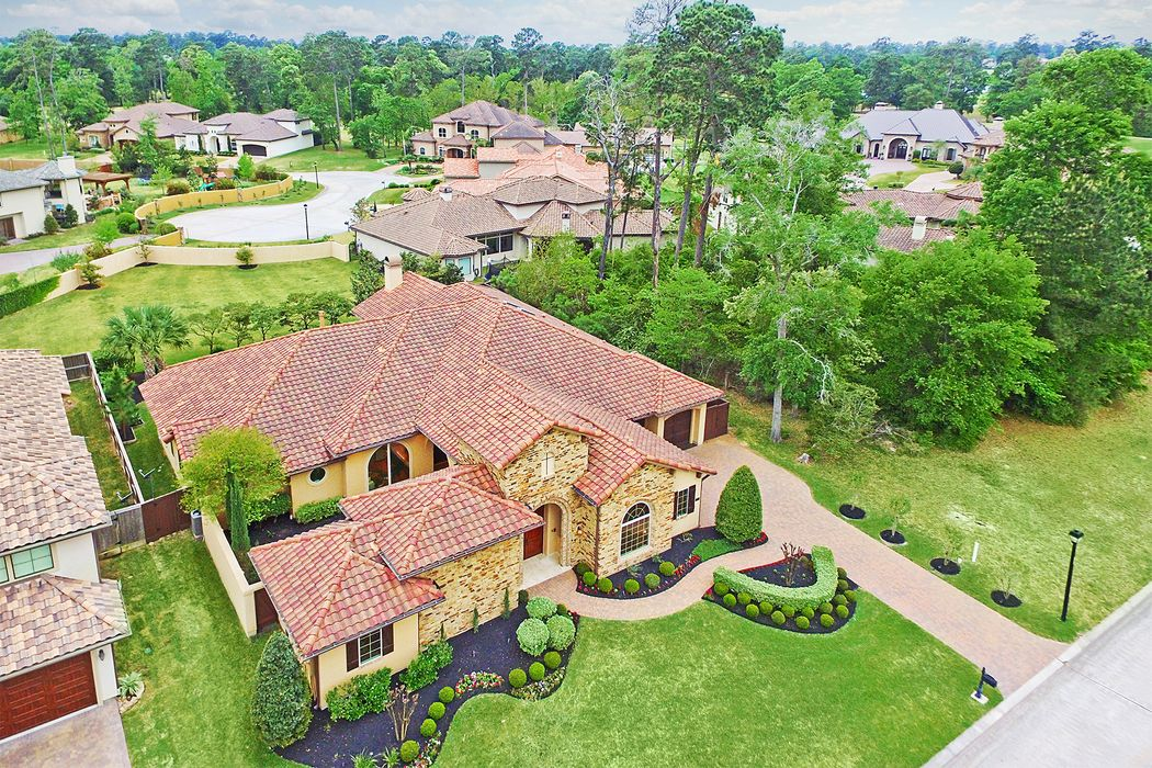 37 Post Shadow Estate Drive Spring, TX 77389