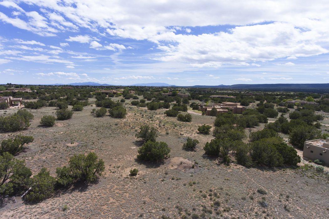 12 Santo Domingo Circle Santa Fe, NM 87506