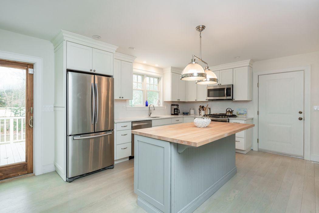 19 Lafayette Place East Hampton, NY 11937