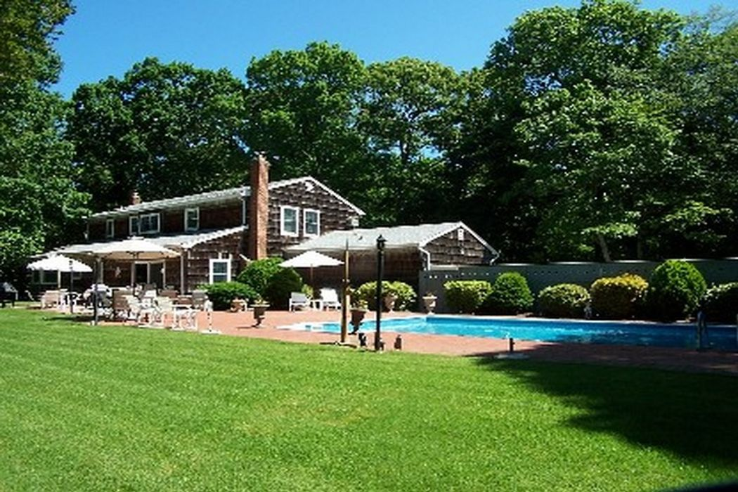 Summer Retreat Close to Sag Harbor