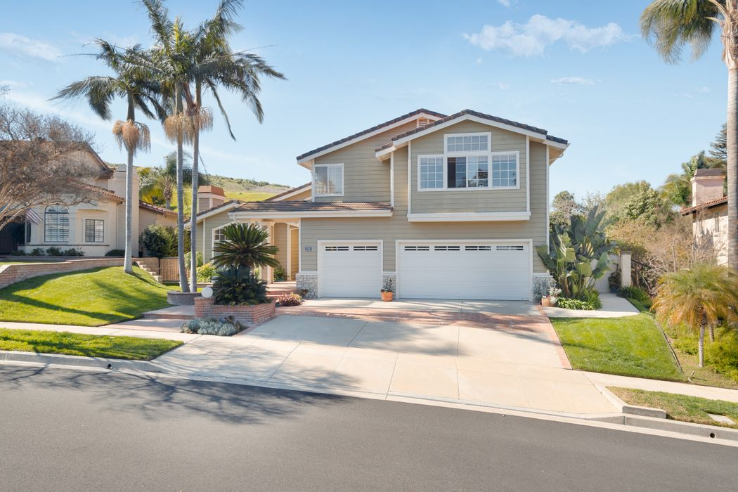 281 Goldenwood Circle Simi Valley, CA 93065