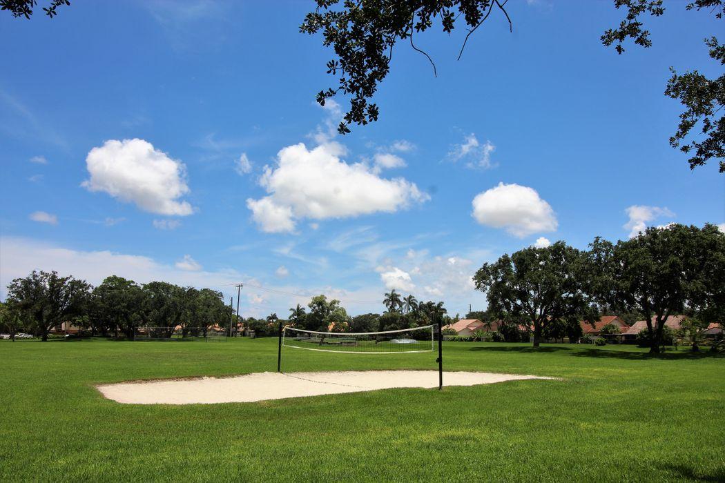 2890 Eagle Ln West Palm Beach, FL 33409