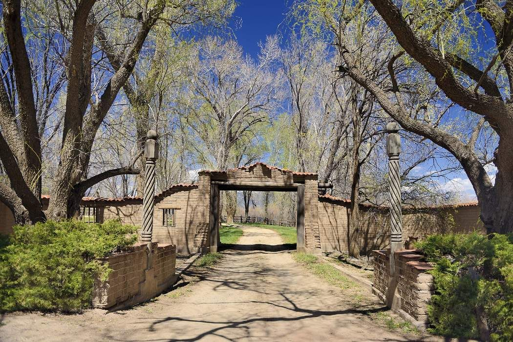 Turtle Walk Taos, NM 87571
