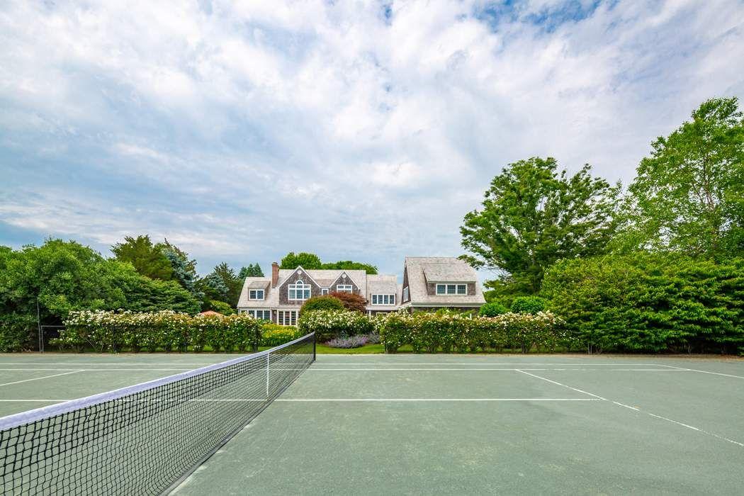 101 Farm Court Sagaponack, NY 11962